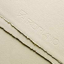 Papel Fabriano rosaspina 220 gr 70 x 100 cm crema